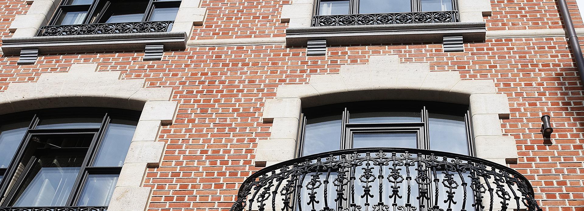 Omlijsting natuursteen raam